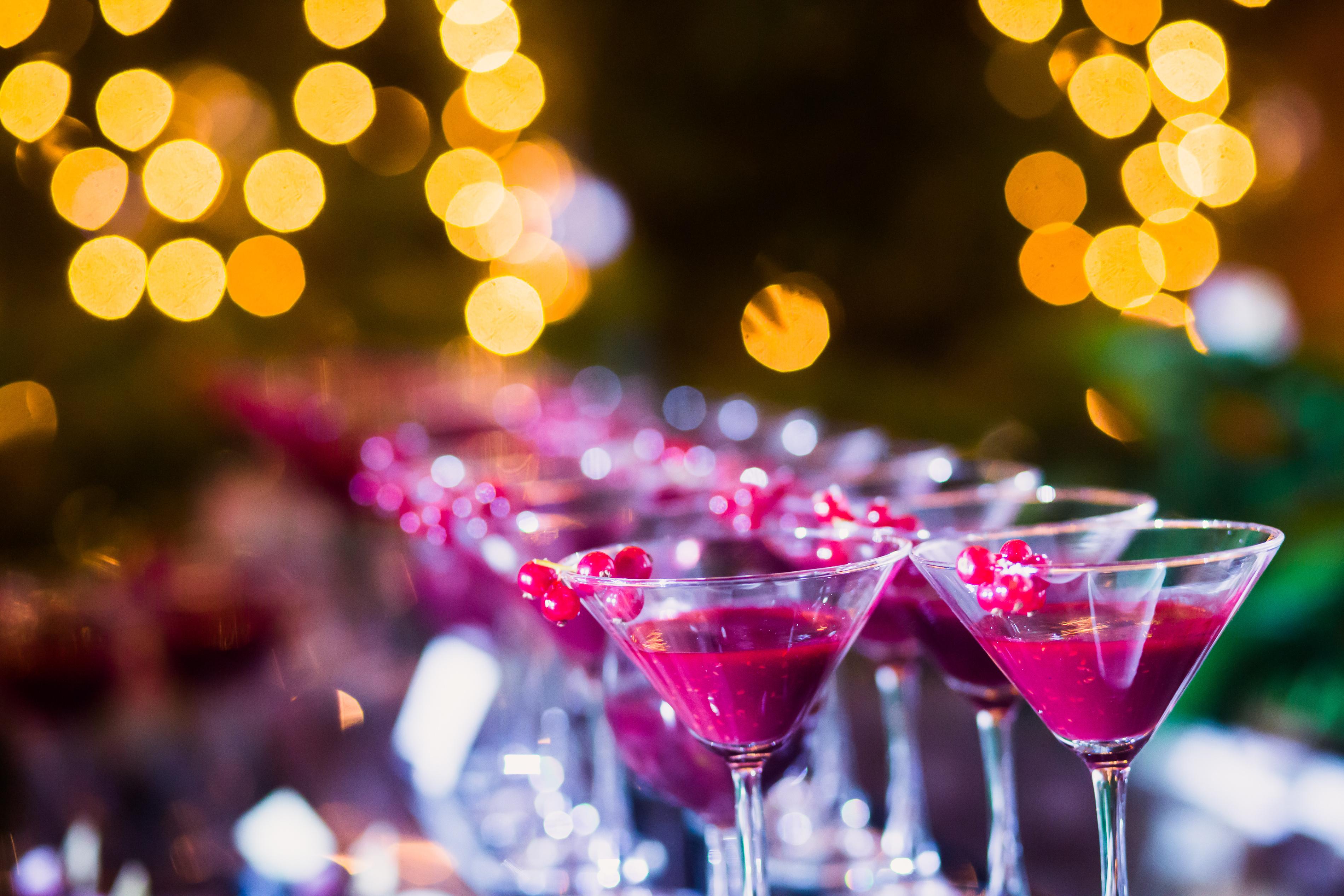 koktejly ve skleničkách