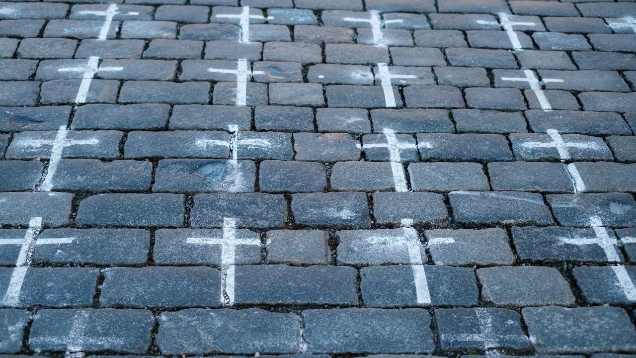 Covid kříže na Staroměstském náměstí